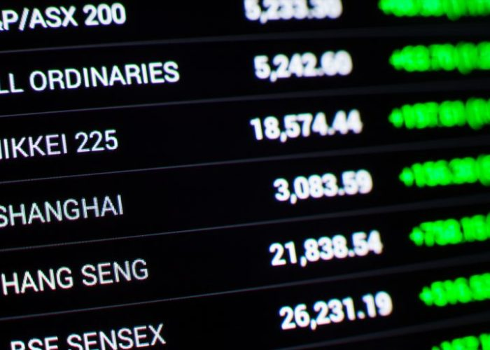 Asian shares fall as growth, trade concerns dog China markets