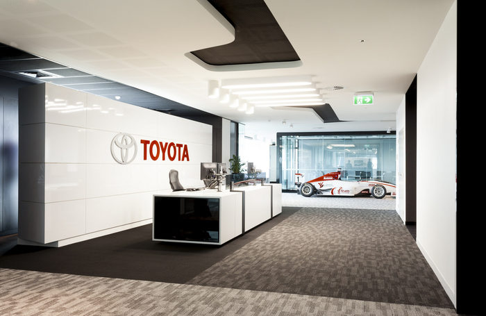 Toyota aims to boost sales in China by 8% this year