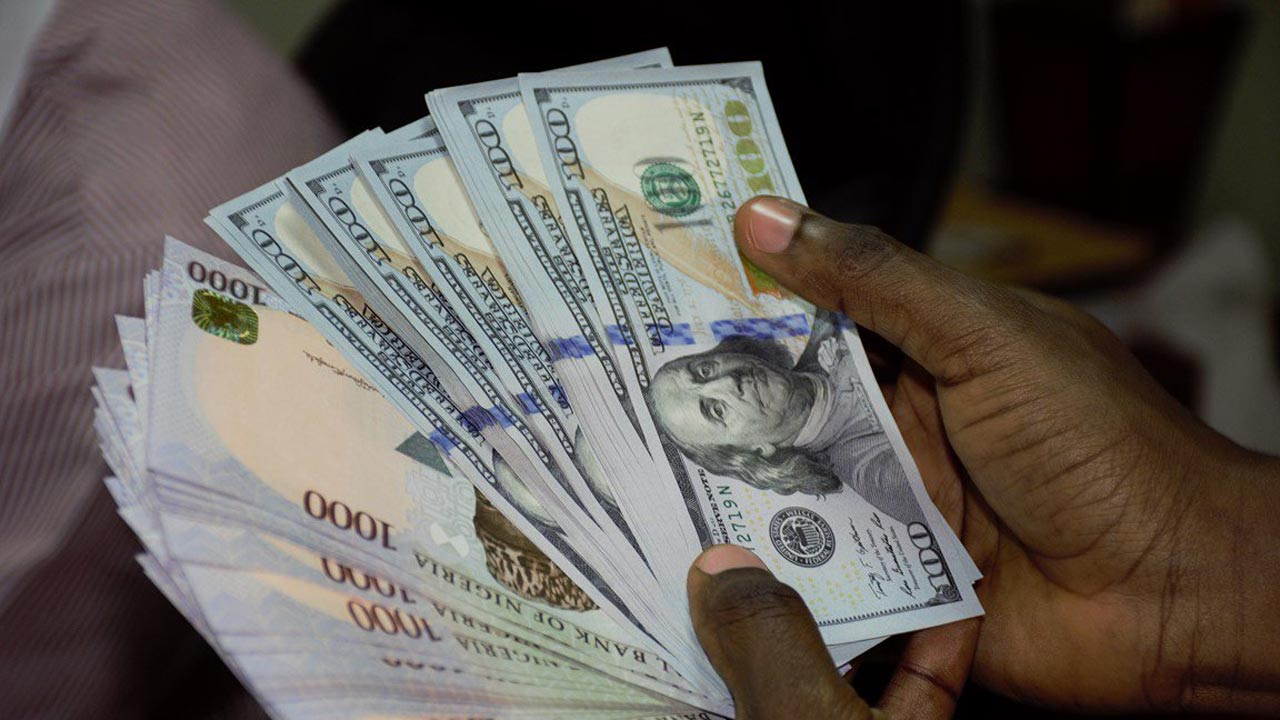Naira maintains stability against dollar