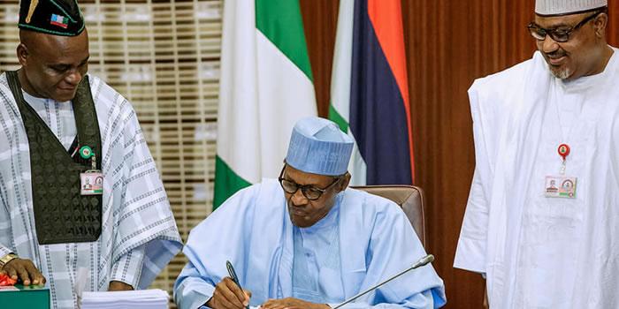 Buhari signs 2019 budget