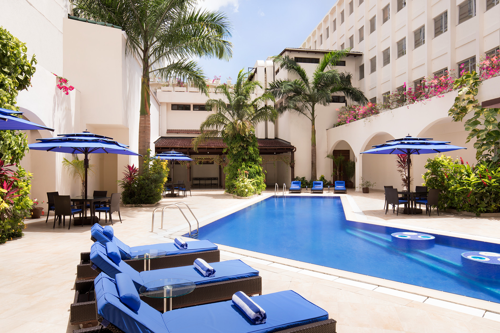 Four Points by Sheraton Dar es Salaam New Africa Hotel - Pool